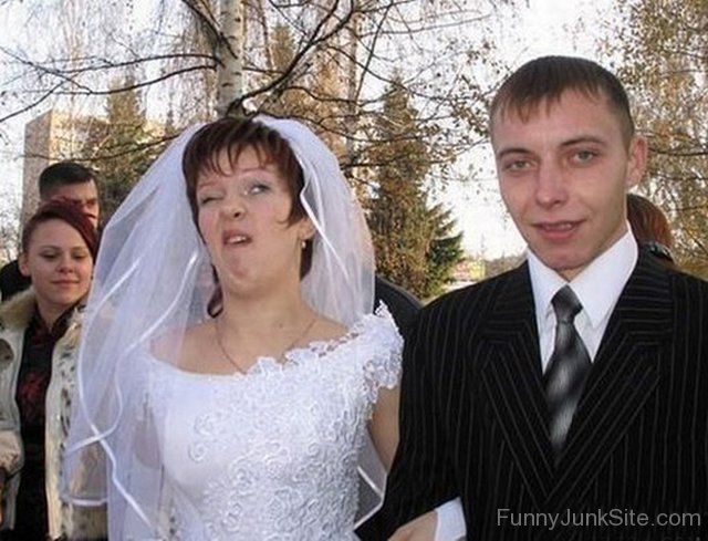 Funny Wedding Pictures » Bride Face Funny Face